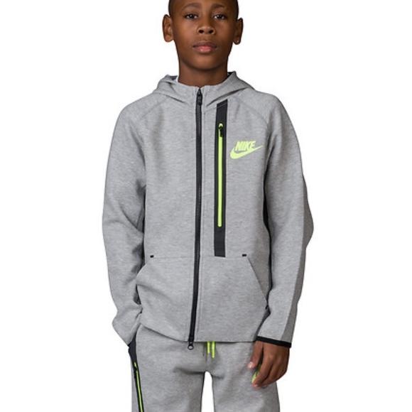 b3f91994bd27 Nike Tech Fleece Full Zip Hoodie Kids S. M 5abc0740a6e3eaa56dd372f9